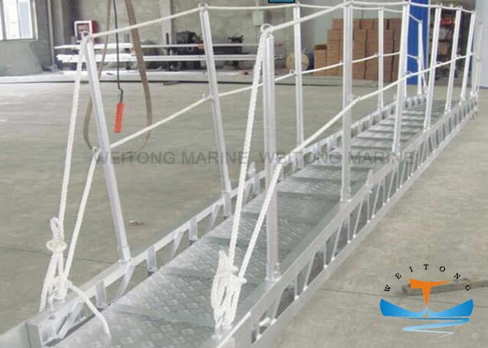 Gangway Marine Boat Ladders Anodized Surface JIS Standard With Safety Net